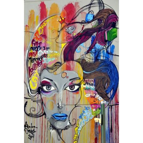 Mural mujer graffiti
