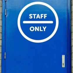 Vinilo Staff Only