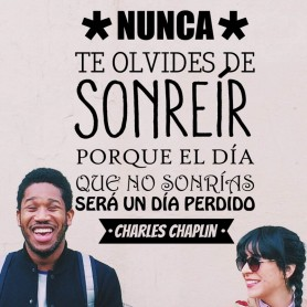 Vinilo decorativo frase sonrisa Chaplin