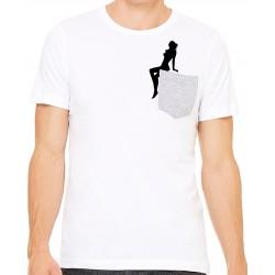 Camiseta chica sentada